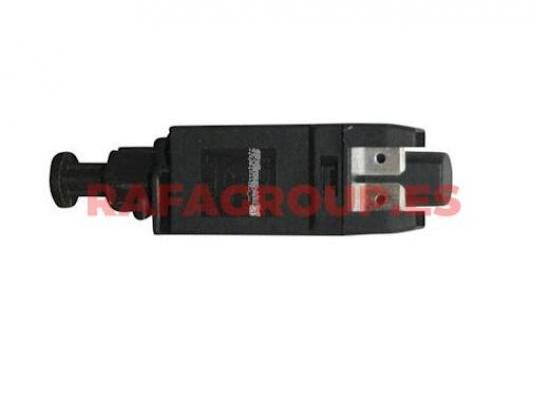 RG9846 - Interruptor luces freno